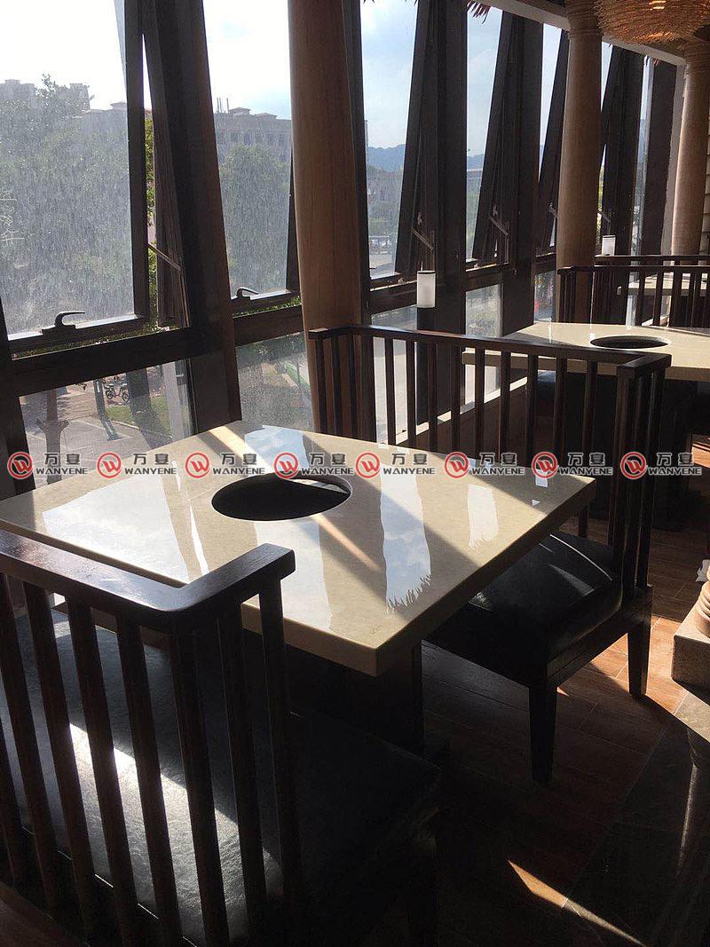 润季椰子鸡火锅桌
