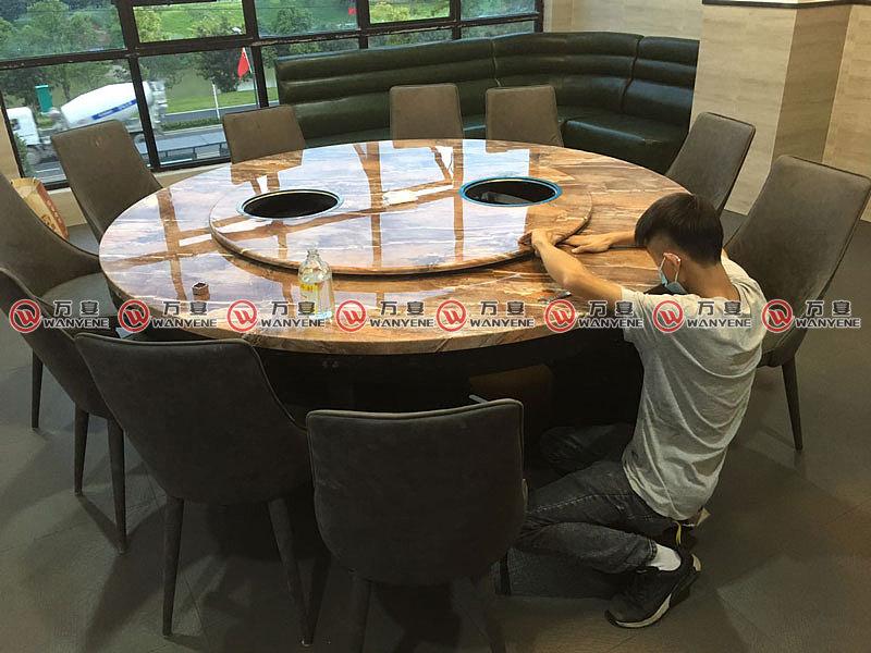火锅桌图片